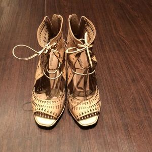 Jeffrey Campbell Rodillo Wedge in nude